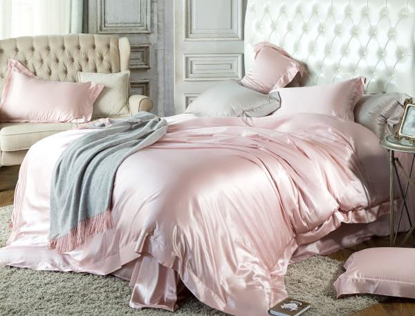 Comfortable silk bedding