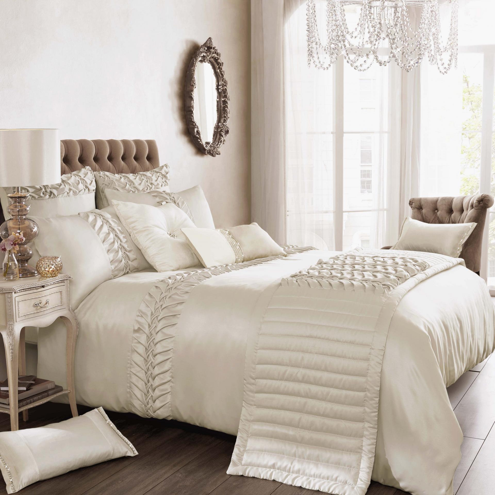 should i wash new silk sheets before using. Black Bedroom Furniture Sets. Home Design Ideas